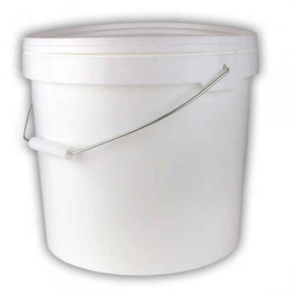White bucket 12 litre with lid and handle from dowricks.com